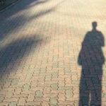 なぜ人間関係が上手くいかない?職場で孤立する人の傾向と対策